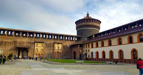 Dentro del Castello